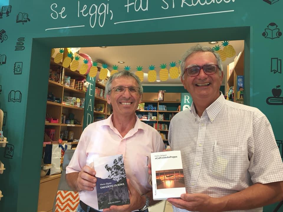 E' bello incontrare un altro autore in libreria!